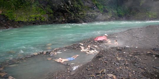 Thư giãn ở 6 suối nước nóng nổi tiếng nhất Đài Loan - Ảnh 1.