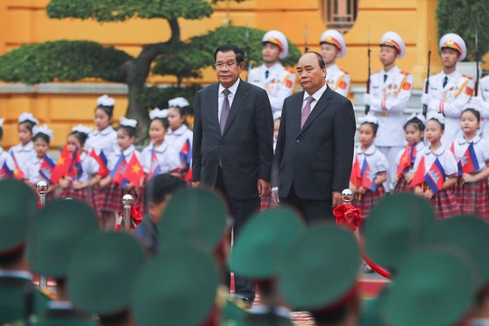 Việt Nam - Campuchia ký 7 văn kiện hợp tác - Ảnh 1.