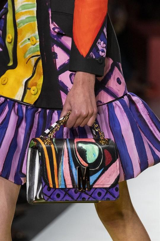 Xu hướng túi xách cập nhật từ các tuần lễ thời trang nổi tiếng - Ảnh 11.