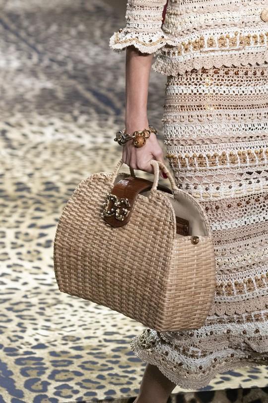 Xu hướng túi xách cập nhật từ các tuần lễ thời trang nổi tiếng - Ảnh 7.