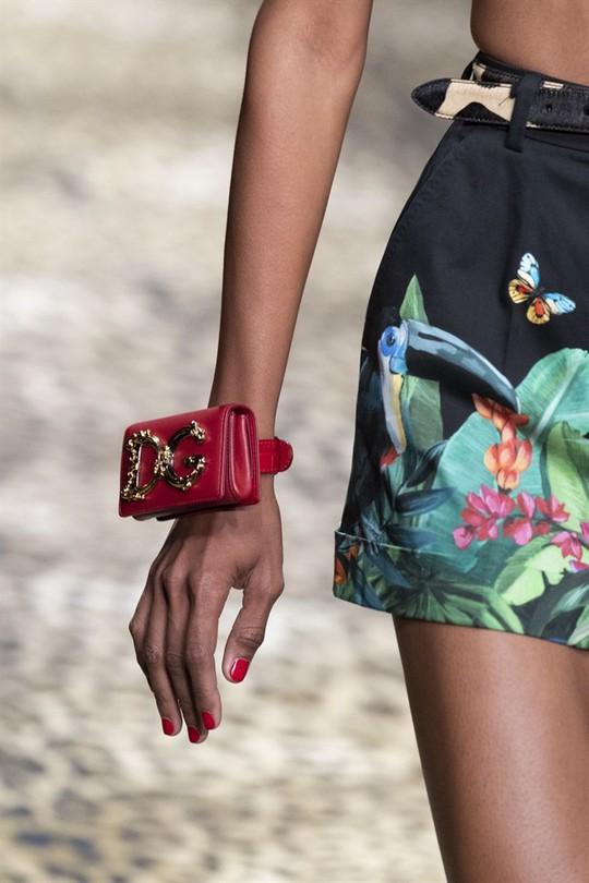 Xu hướng túi xách cập nhật từ các tuần lễ thời trang nổi tiếng - Ảnh 8.
