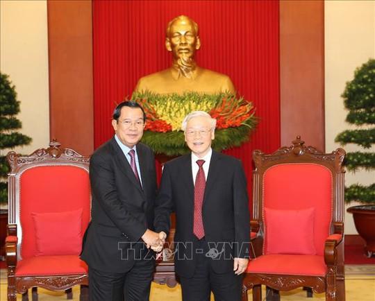 Tổng Bí thư, Chủ tịch nước tiếp Thủ tướng Campuchia Hunsen - Ảnh 2.