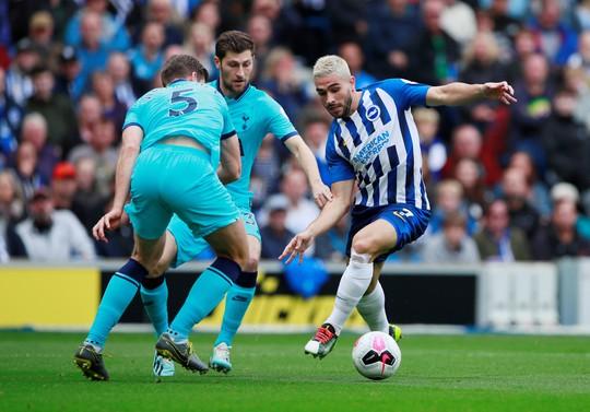 Thua trắng Brighton 0-3, Tottenham nỗi buồn chồng chất - Ảnh 2.