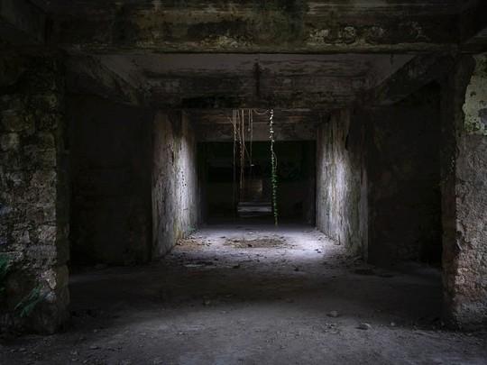 Có gì tại khu nghỉ dưỡng sang trọng bị bỏ hoang, đổ nát của Liên Xô cũ - Ảnh 12.