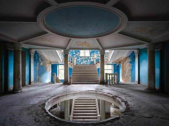 Có gì tại khu nghỉ dưỡng sang trọng bị bỏ hoang, đổ nát của Liên Xô cũ - Ảnh 14.