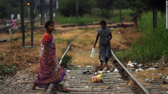Dùng 110 triệu nhà vệ sinh mới để chấm dứt nạn tiêu tiểu bậy ở Ấn Độ - Ảnh 2.