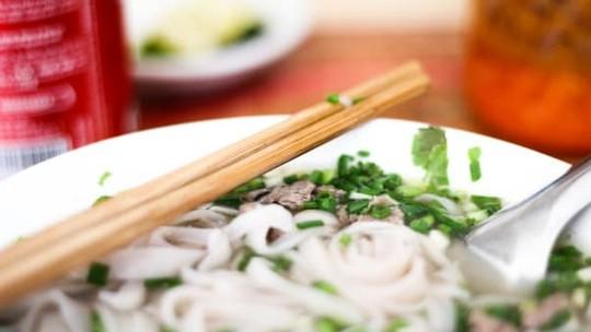 Vượt bò Wagyu, 2 món bình dân Việt xếp hạng cao trên báo Mỹ - Ảnh 2.