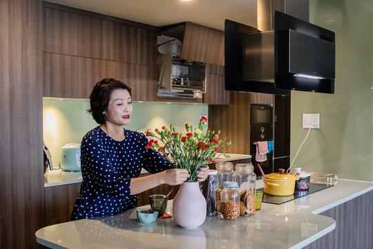 Chủ nhà gộp ba căn hộ để có phòng khách hơn 100 m2 - Ảnh 4.