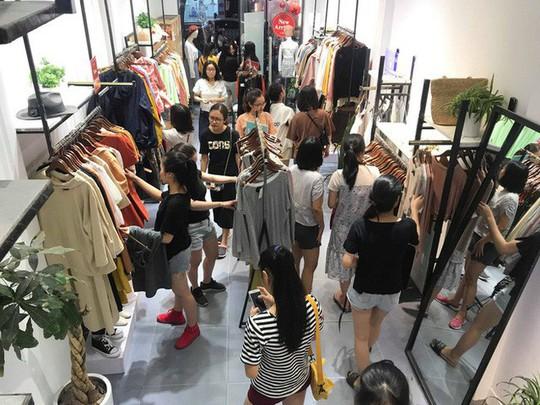 Sự thật về việc giảm giá đến 70% tại các cửa hàng thời trang - Ảnh 6.