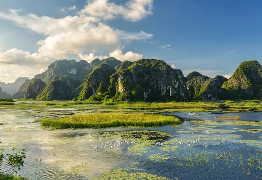 Đầm nước được ví như vùng vịnh không sóng - Ảnh 1.