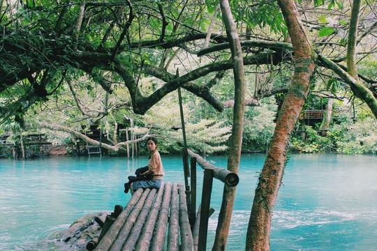 Đến Quảng Bình, detox tinh thần dưới dòng suối xanh ngọc bích - Ảnh 9.