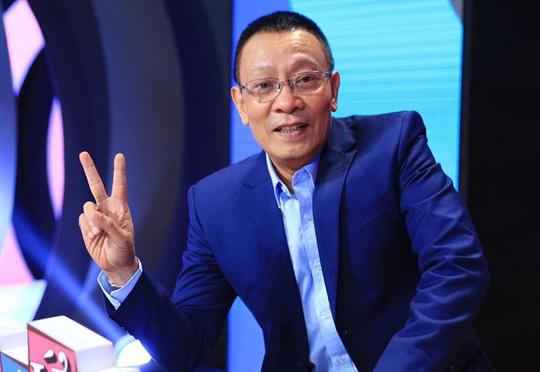 MC Lại Văn Sâm nổi đóa với rác bẩn - Ảnh 1.