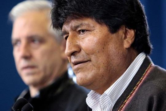 Lo cựu tổng thống Bolivia bị nguy hiểm tính mạng, Mexico cho phép tị nạn - Ảnh 1.