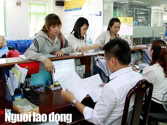 TP HCM: Công chức, viên chức tập sự vẫn được hưởng thu nhập tăng thêm - Ảnh 1.