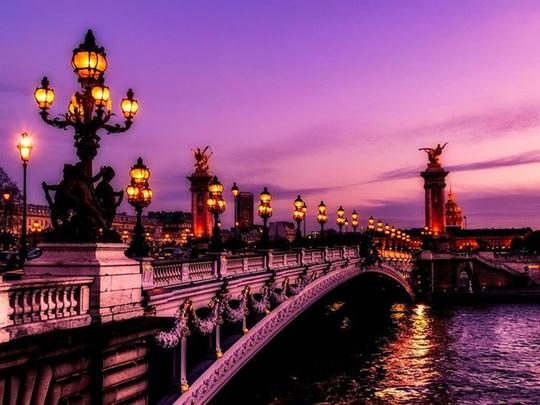 Mách bạn những nơi chụp ảnh đẹp nhất khi thăm thú Paris - Ảnh 1.