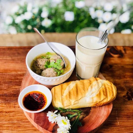 Những quán cà phê phong cách Đà Lạt ở Sài thành - Ảnh 2.