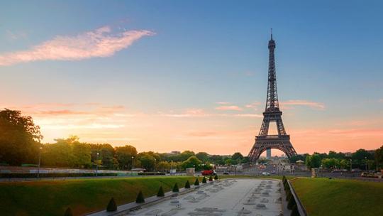 Mách bạn những nơi chụp ảnh đẹp nhất khi thăm thú Paris - Ảnh 6.