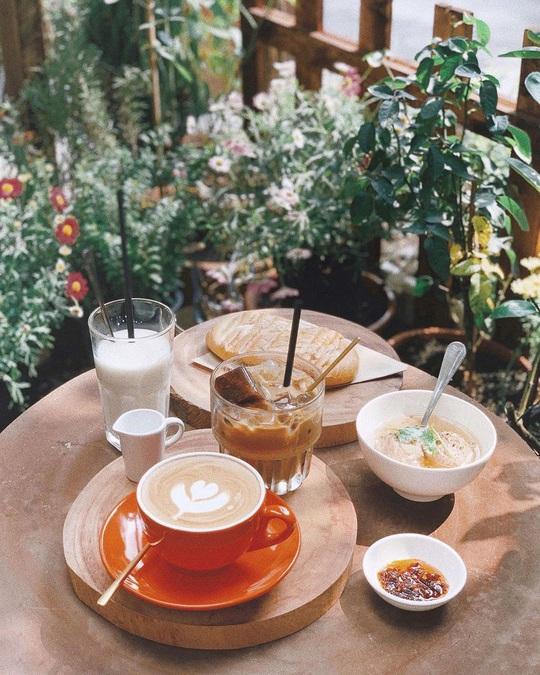 Những quán cà phê phong cách Đà Lạt ở Sài thành - Ảnh 4.