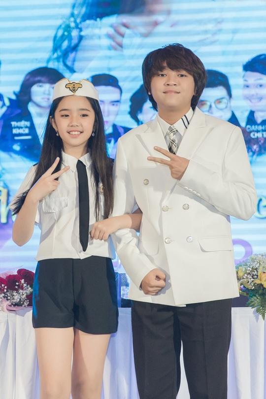 Cô bé triệu view Jennifer Thiên Nga chơi lớn hơn ca sĩ - Ảnh 2.
