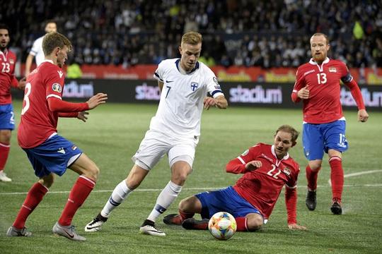 Tây Ban Nha dội mưa bàn thắng, Phần Lan lần đầu dự VCK Euro - Ảnh 5.
