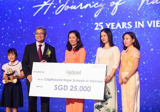 CapitaLand Việt Nam, 25 năm phát triển và cam kết hỗ trợ giáo dục 25.000 đô la Singapore - Ảnh 4.