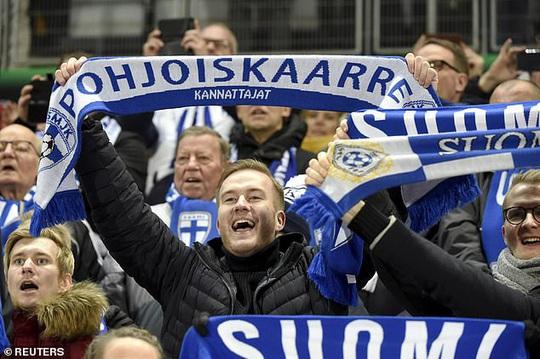 Tây Ban Nha dội mưa bàn thắng, Phần Lan lần đầu dự VCK Euro - Ảnh 4.