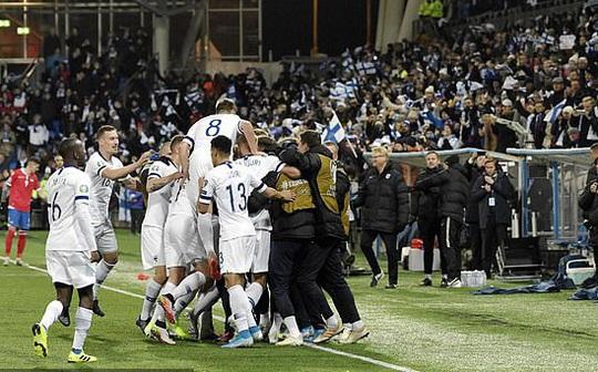 Tây Ban Nha dội mưa bàn thắng, Phần Lan lần đầu dự VCK Euro - Ảnh 7.