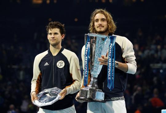 Clip Tsitsipas lần đầu dự giải và đăng quang ATP Finals 2019 - Ảnh 5.