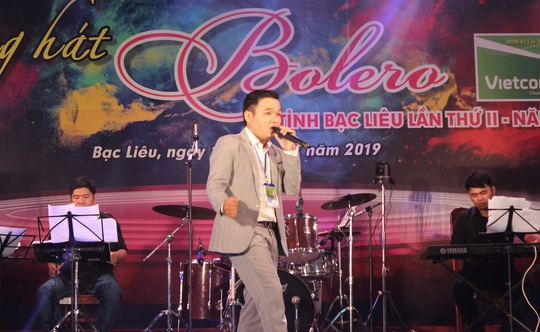"""Hoài Linh giành giải nhất Hội thi """"Tiếng hát Bolero"""" khu vực ĐBSCL - Ảnh 4."""