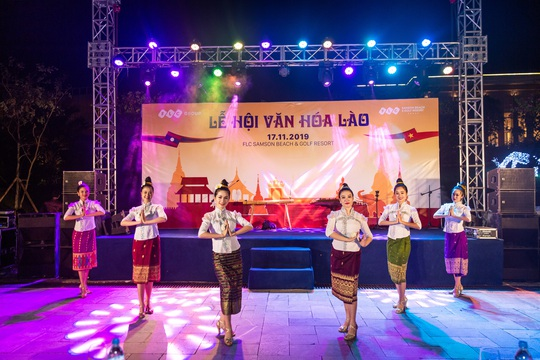 Du khách FLC Sầm Sơn mãn nhãn với đêm Lễ hội Văn hóa Lào - Ảnh 3.
