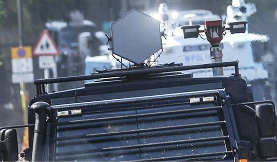 Hồng Kông: Bạo lực leo thang, cảnh sát bắn đạn thật - Ảnh 2.