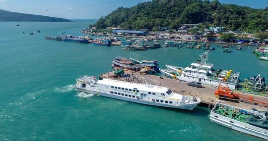 Tàu cao tốc Superdong tri ân khách hàng nhân dịp tròn 16 tuổi - Ảnh 1.