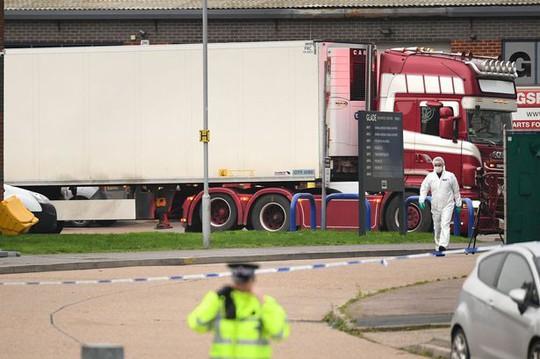 Cảnh sát Anh tin rằng tất cả 39 nạn nhân chết trong container là người Việt Nam - Ảnh 1.