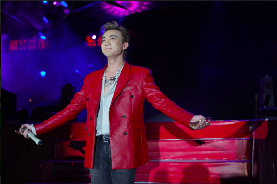 Soobin Hoàng Sơn, MIN mang đến đêm không ngủ cho khán giả Hà Nội - Ảnh 1.