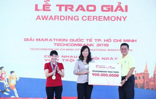 Hướng đến cộng đồng: Giải Marathon quốc tế TP HCM Techcombank 2019 thu hút gần 13.000 người tham dự - Ảnh 1.