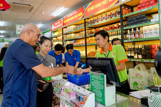 Satrafoods được chọn là điểm bán hàng Việt Nam cố định tại Cần Thơ - Ảnh 2.