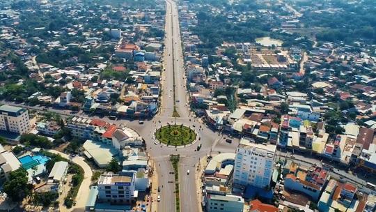 Nhà đầu tư đổ xô săn đất nền tại TP Đồng Xoài – Bình Phước - Ảnh 1.