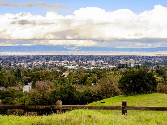 Những thành phố có giá nhà đắt nhất tại Mỹ, hơn 90% ở bang California - Ảnh 9.