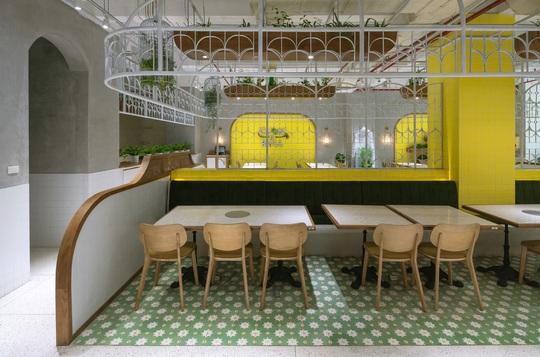 Kiến trúc đặc biệt trong quán ăn Việt Nam được báo ngoại khen nức nở - Ảnh 3.