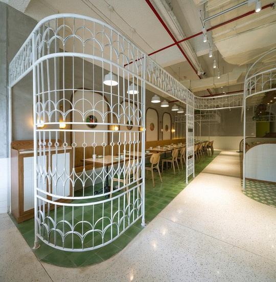 Kiến trúc đặc biệt trong quán ăn Việt Nam được báo ngoại khen nức nở - Ảnh 4.