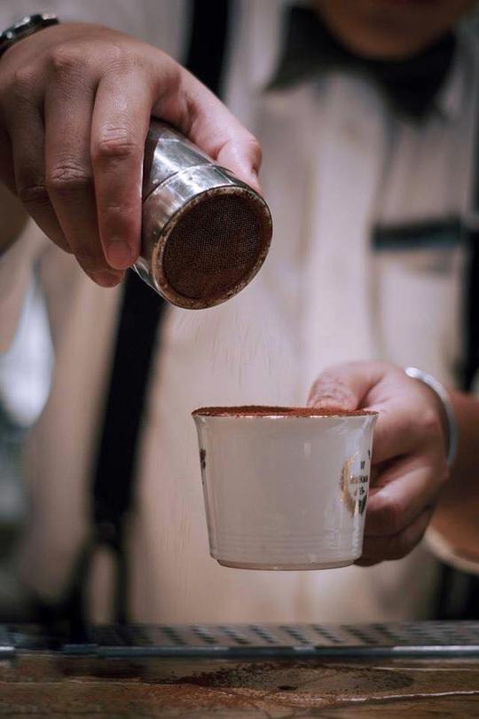 Thưởng thức cà phê trứng tại TP HCM - Ảnh 3.