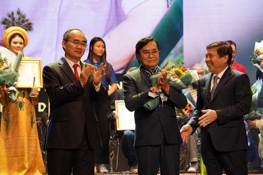 77 nghệ sĩ được TP HCM thưởng thêm trong lễ vinh danh - Ảnh 18.