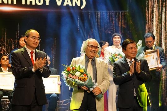 77 nghệ sĩ được TP HCM thưởng thêm trong lễ vinh danh - Ảnh 13.