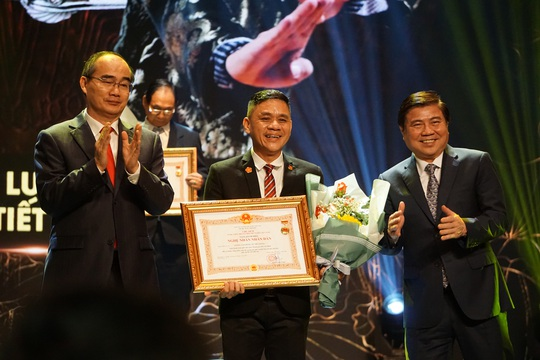 77 nghệ sĩ được TP HCM thưởng thêm trong lễ vinh danh - Ảnh 11.