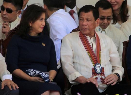 Vừa được nâng lên, cấp phó của ông Duterte lại bị hạ xuống - Ảnh 1.