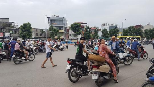 Rung lắc tại nhiều khu vực ở Hà Nội do ảnh hưởng động đất ở Cao Bằng - Ảnh 1.