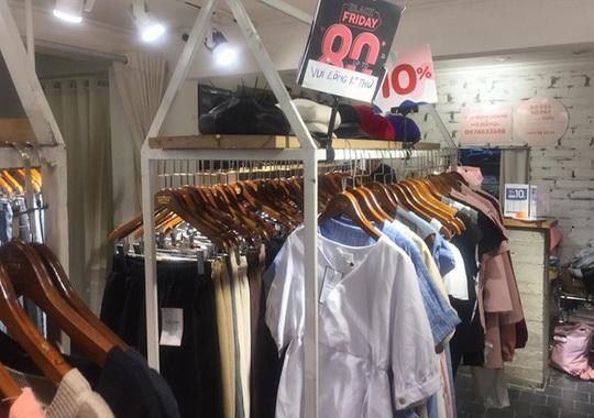 Thất vọng mua sắm giảm giá kiểu Black Friday - Ảnh 2.