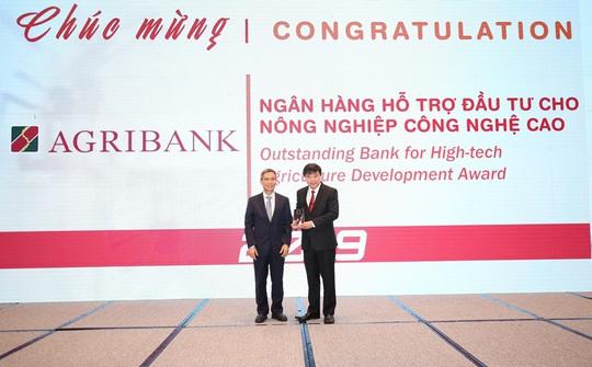Giải thưởng Ngân hàng Việt Nam tiêu biểu 2019: Agribank 2 lần được vinh danh - Ảnh 1.