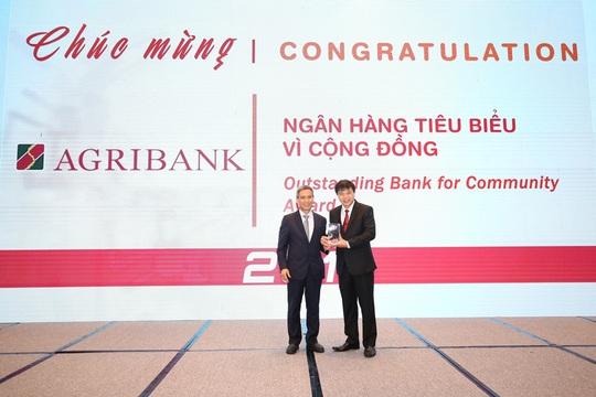 Giải thưởng Ngân hàng Việt Nam tiêu biểu 2019: Agribank 2 lần được vinh danh - Ảnh 2.
