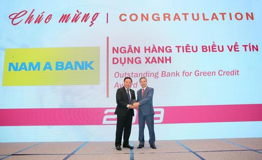 """NAM A BANK nhận giải thưởng """"Ngân hàng tiêu biểu về tín dụng xanh"""" năm 2019 - Ảnh 1."""